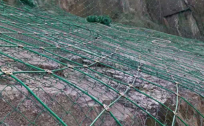 SNS边坡防护网施工