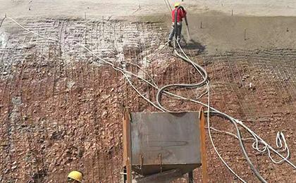 基坑挂网喷浆